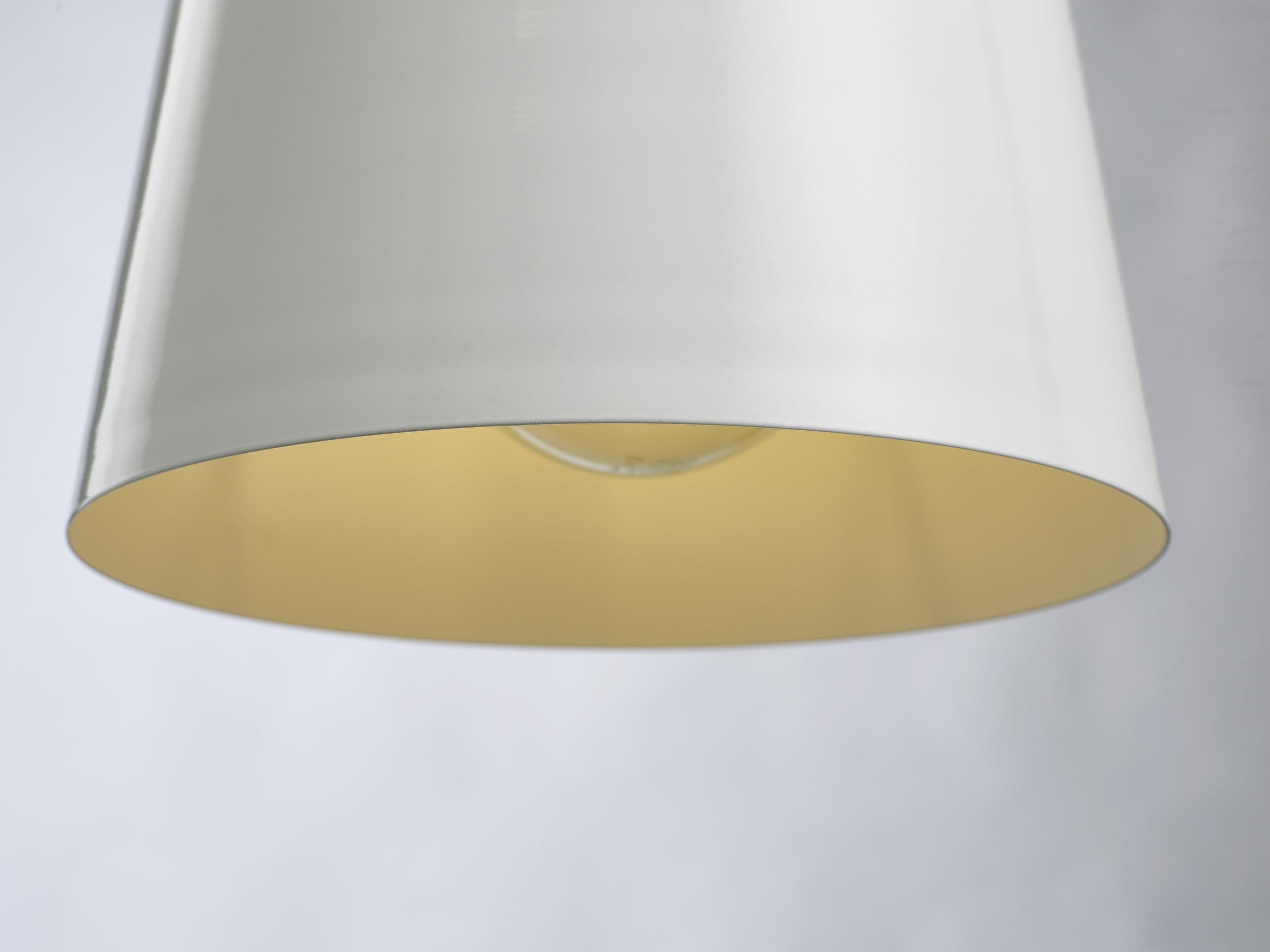 VETICA LAMPEN-WEISS 1tif.jpg