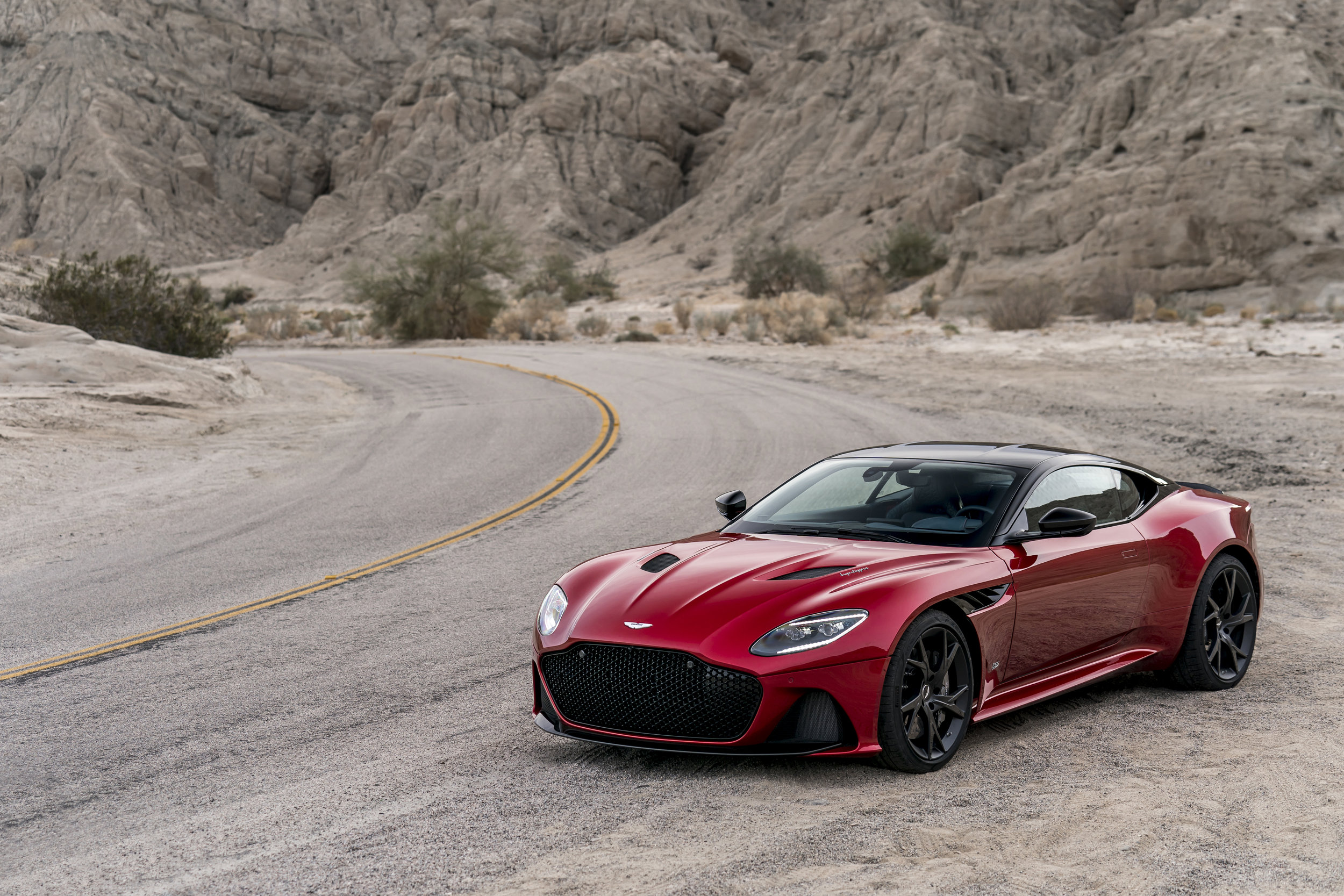 DBS_Superleggera2.jpg