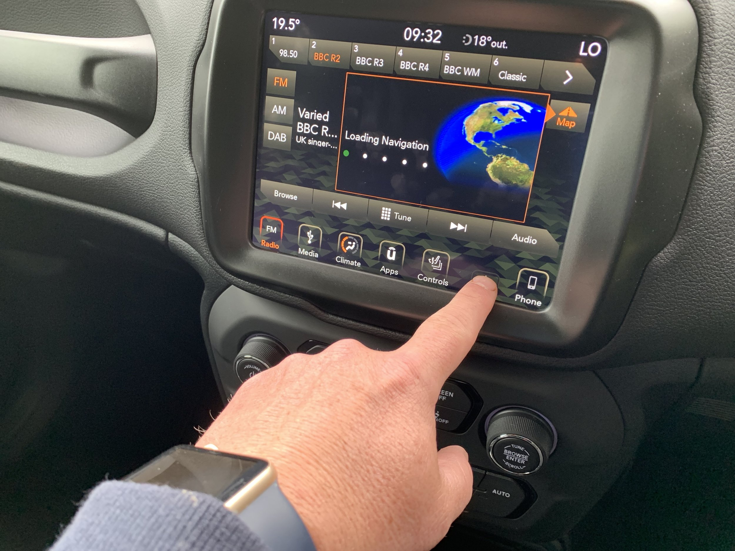 Easy to use touchscreen display.