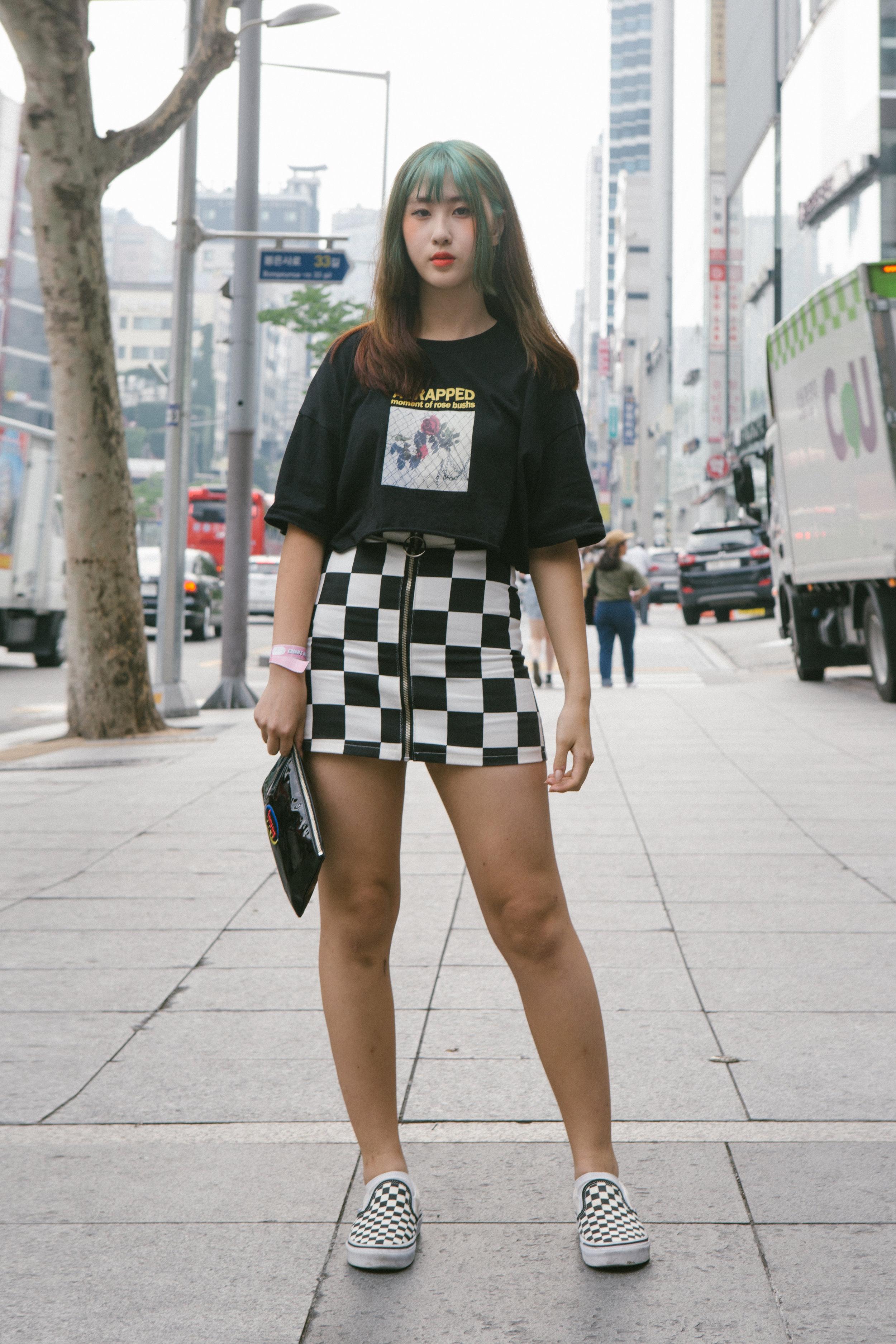 Pengasia Street Style 2017 - Womens 25-01.jpg