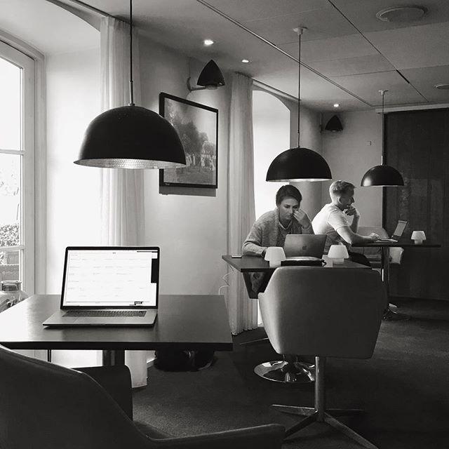 Work, work, work... #digitalnomads #tourlife #ontheroadagain #mercedesroadshow