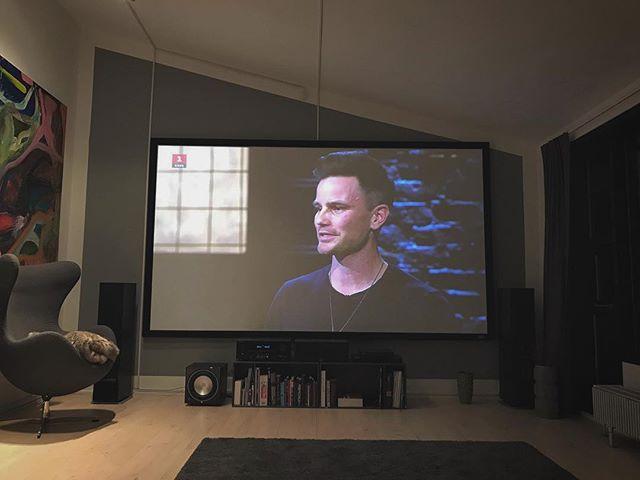 "A slightly different kind of ""office"" today #entrepreneurlife #løvenshule @ishspirits (📷 @superiorfilms)"
