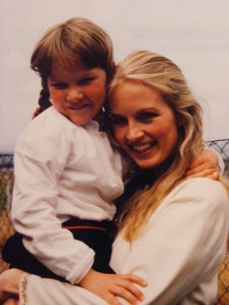 1990: Oda og Agnete Haaland. Privat foto