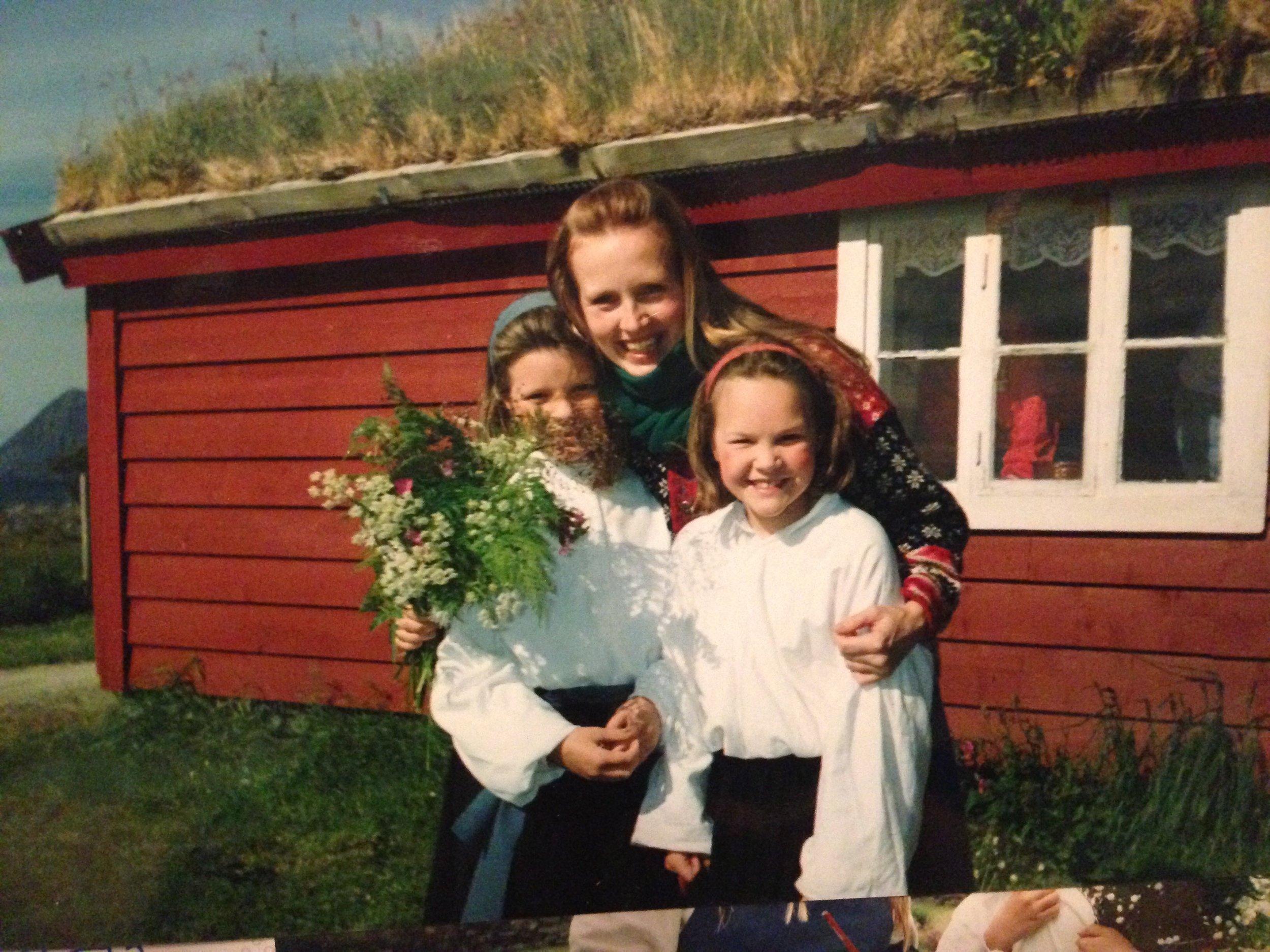 1996: Birte Njøsen Horne, Oda Alisøy og Agnete Haaland. Privat foto.
