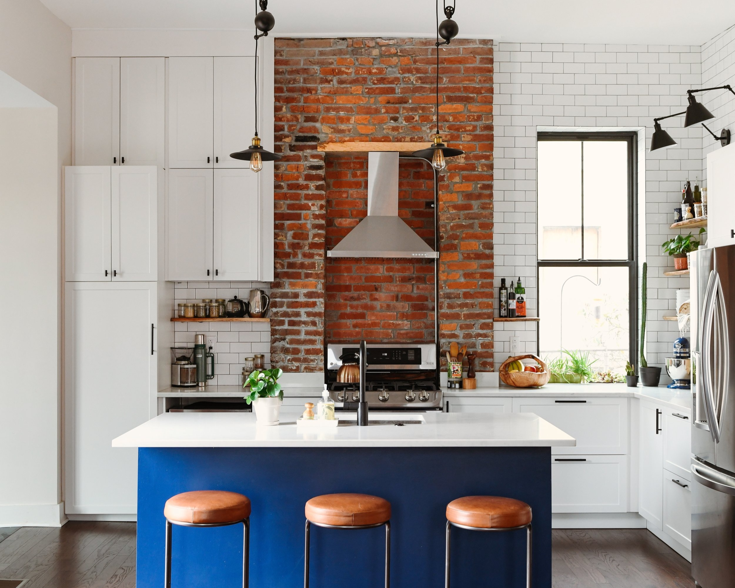 Katy+Popple+Design+Kitchen+-+Leather+Stools+1.jpg