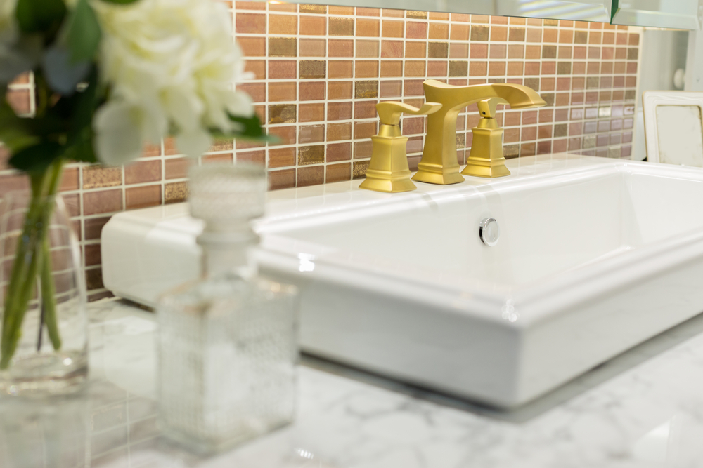 How to clean a bathroom in seven easy steps!