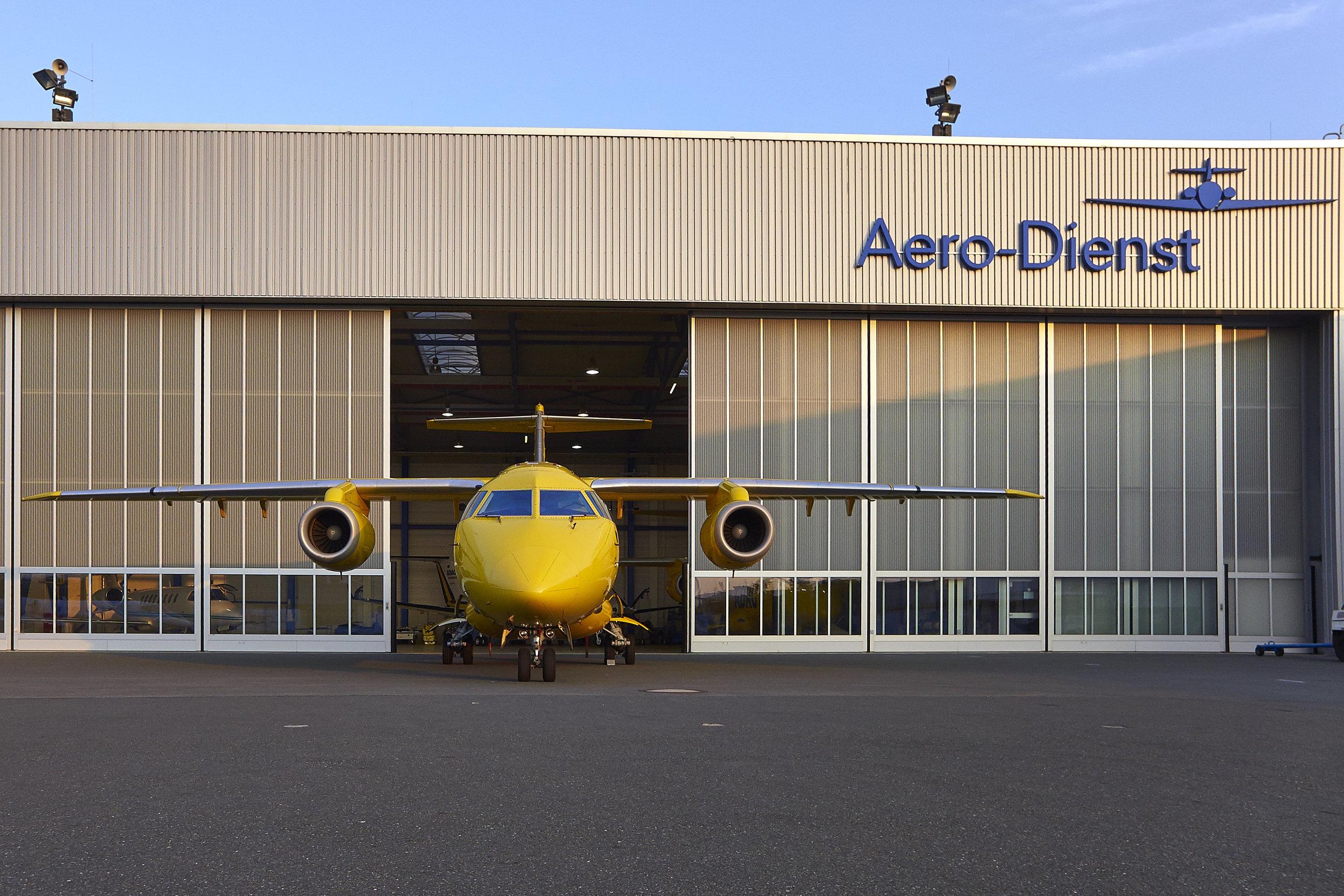 Aerodienst ADAC - Flugzeuge, Piloten, Notärzte, Rettungsübung