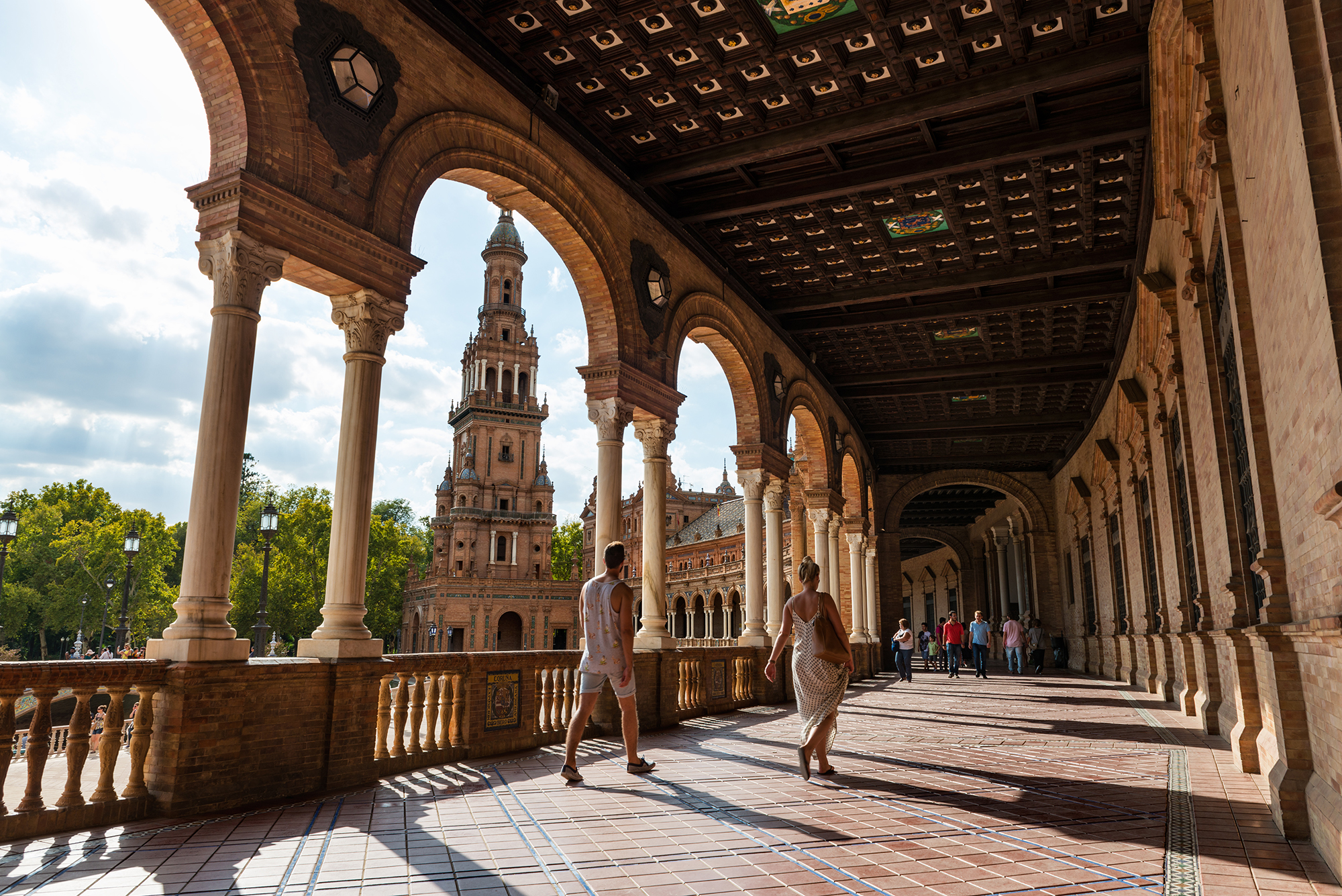 Tourists in the Plaza de España