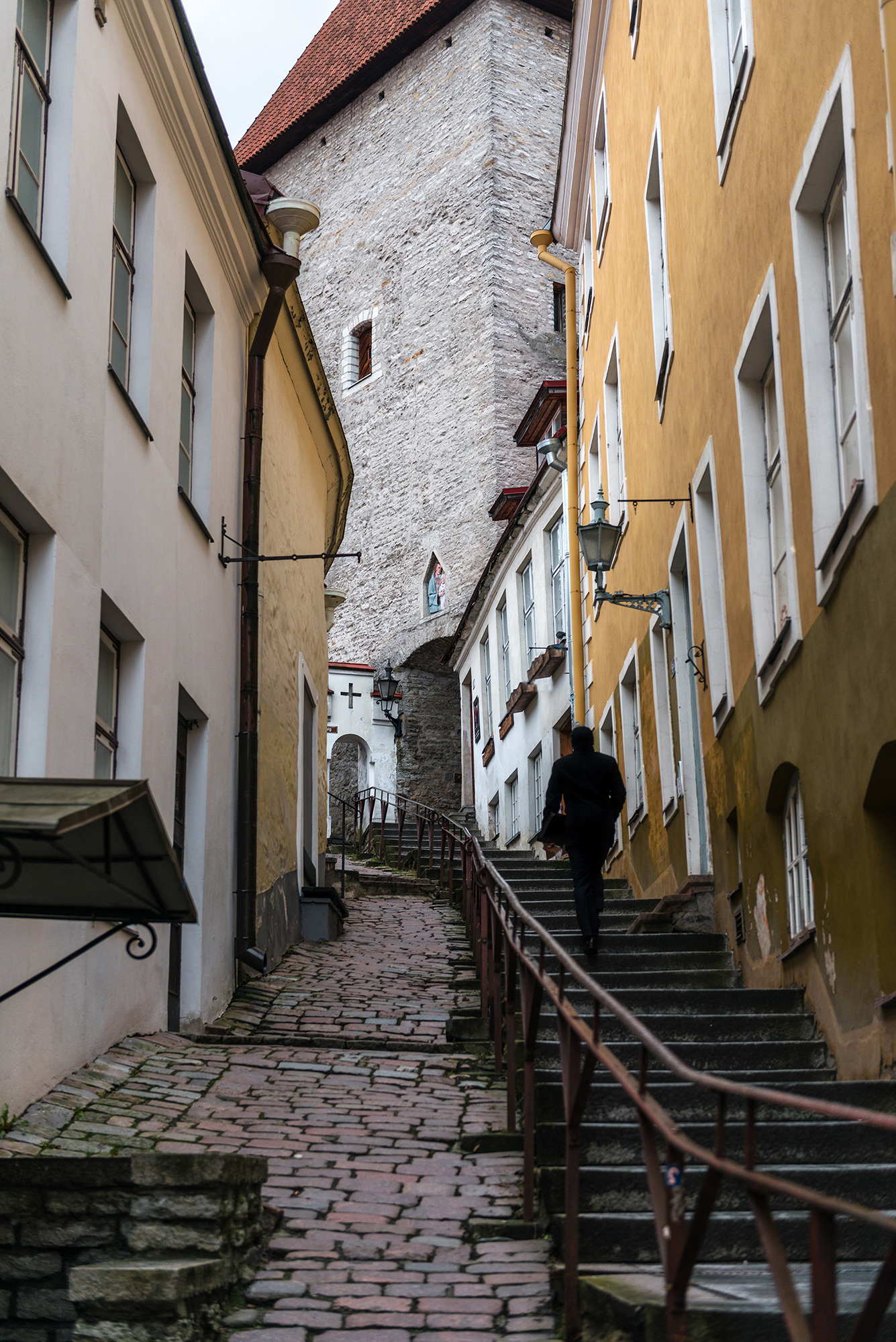 Narrow alleys leading to Toompea's Hill
