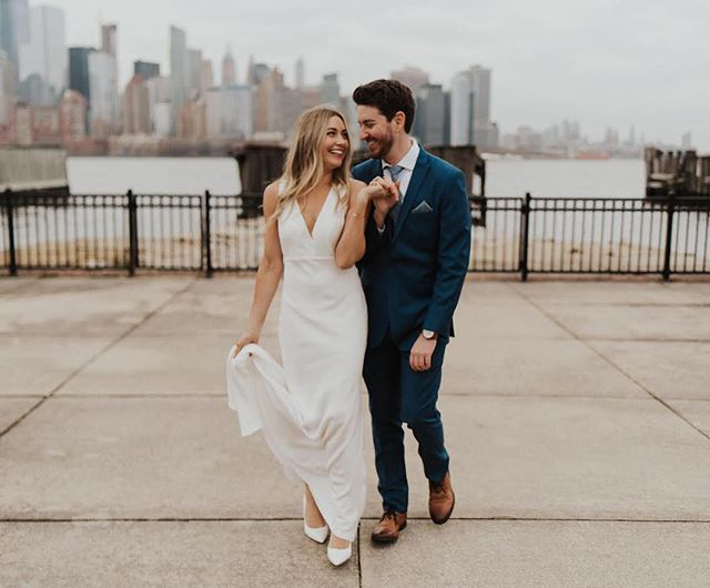 The Bachelor starts tonightttttt! But I don't have cable. So.. The Bachelor starts tomorrow when I watch it on Hulu!! 🙌🏼 . . . . #brooklynphotographer #brooklynweddingphotographer #manhattanweddingphotographer #nycwedding #nycweddingphotographer #annigrahampresets #nycphotographer #newyorkweddingphotographer #bkweddingphotographer #brooklynweddingphotography #katherineashleyphotography