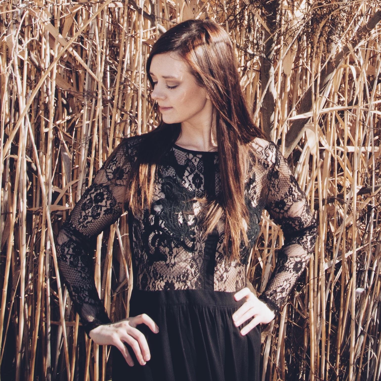 Heather Broomhall - Owner / PhotographerTraveler + Dreamer + Lover of Pretty Things + Lattes