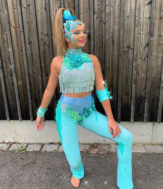 Oda💙 Looking amazing in Janine! @janine_costumedesigner