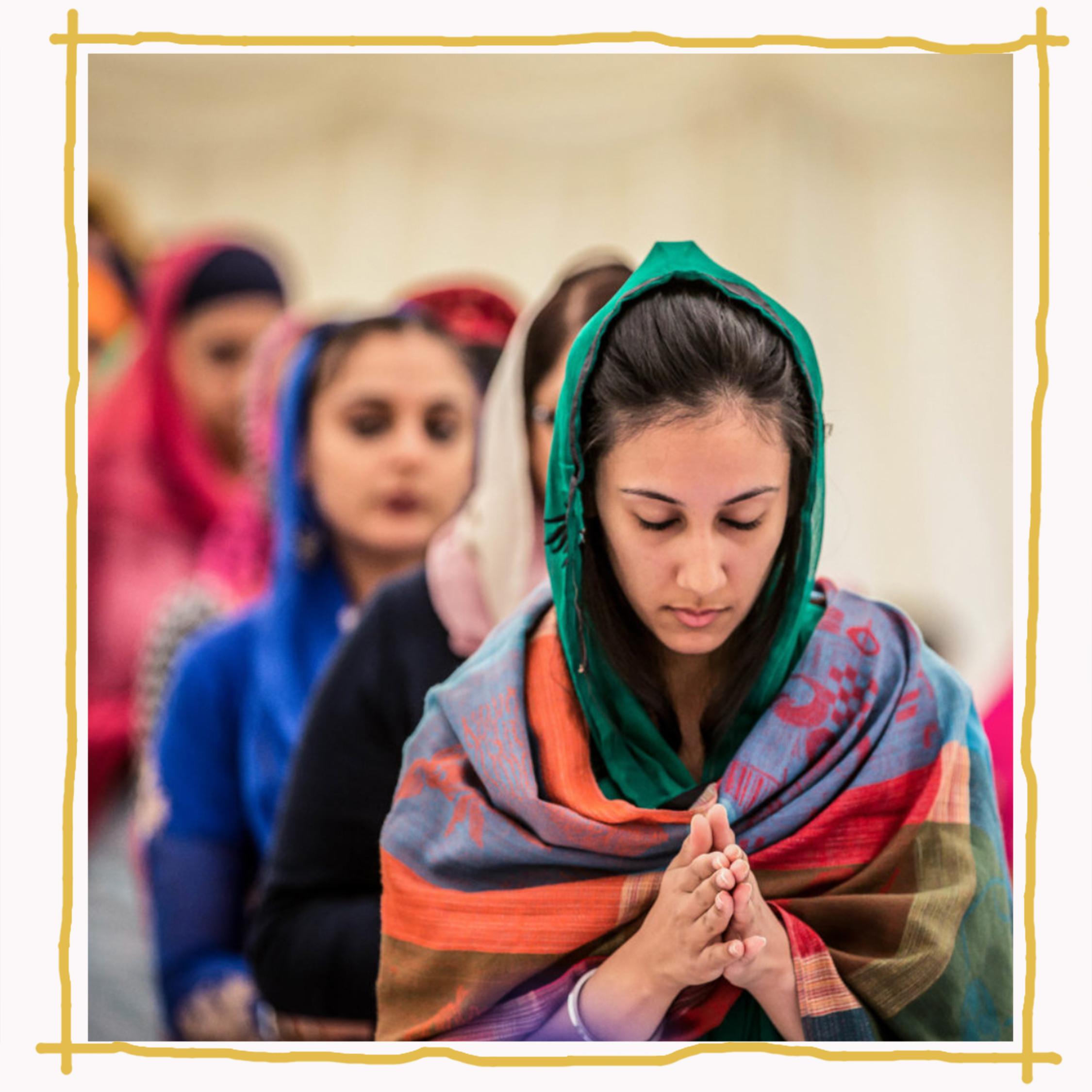 Sikh women in prayer  Image: Kaur Life