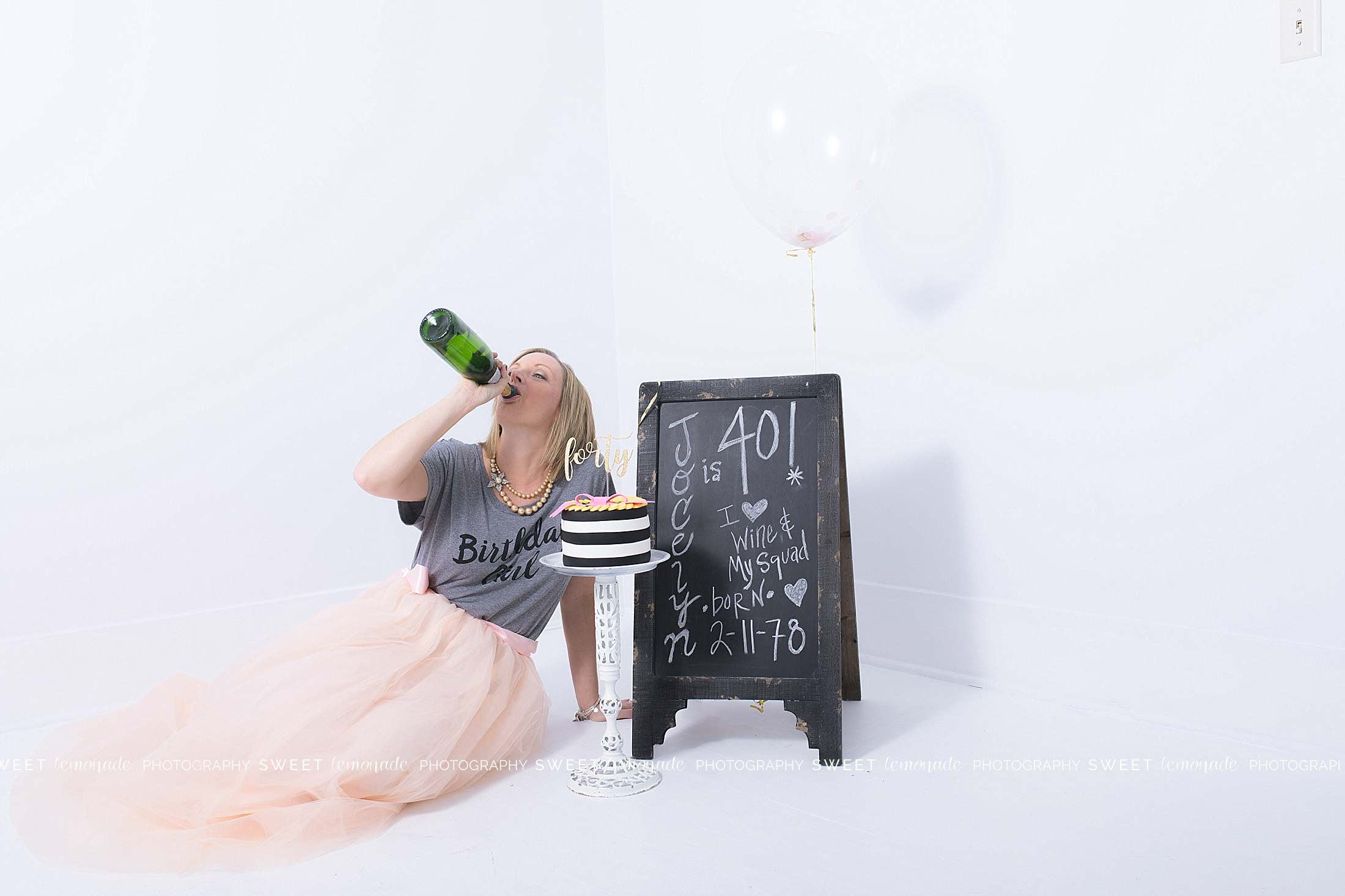 adult-cake-smash-pictures-woman-kate-spade-fondant-champagne-wine_1927.jpg