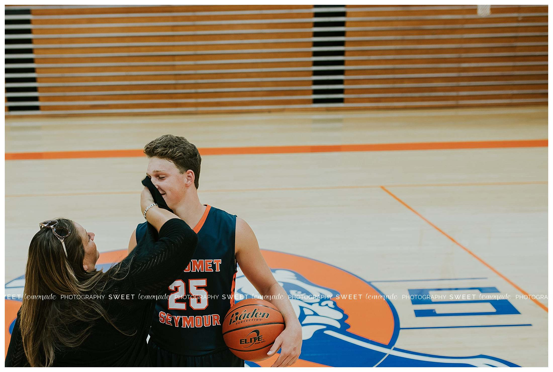 mahomet-bulldogs-basketball-champaign-county-illinois-senior-photography_1595.jpg