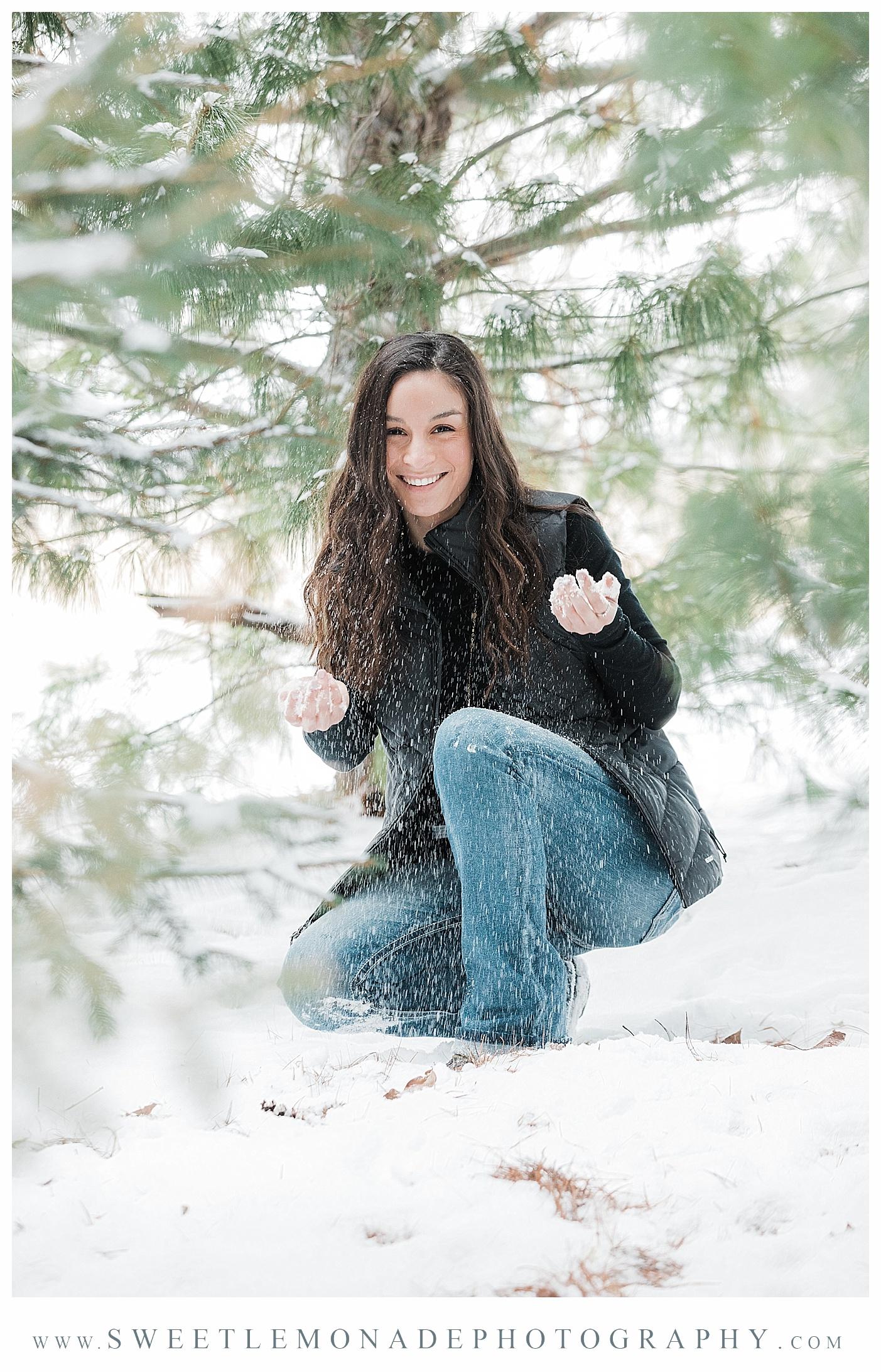 mahomet-illinois-snow-senior-pics-winter-clothing-boutique-sweet-lemonade-photography_2084.jpg