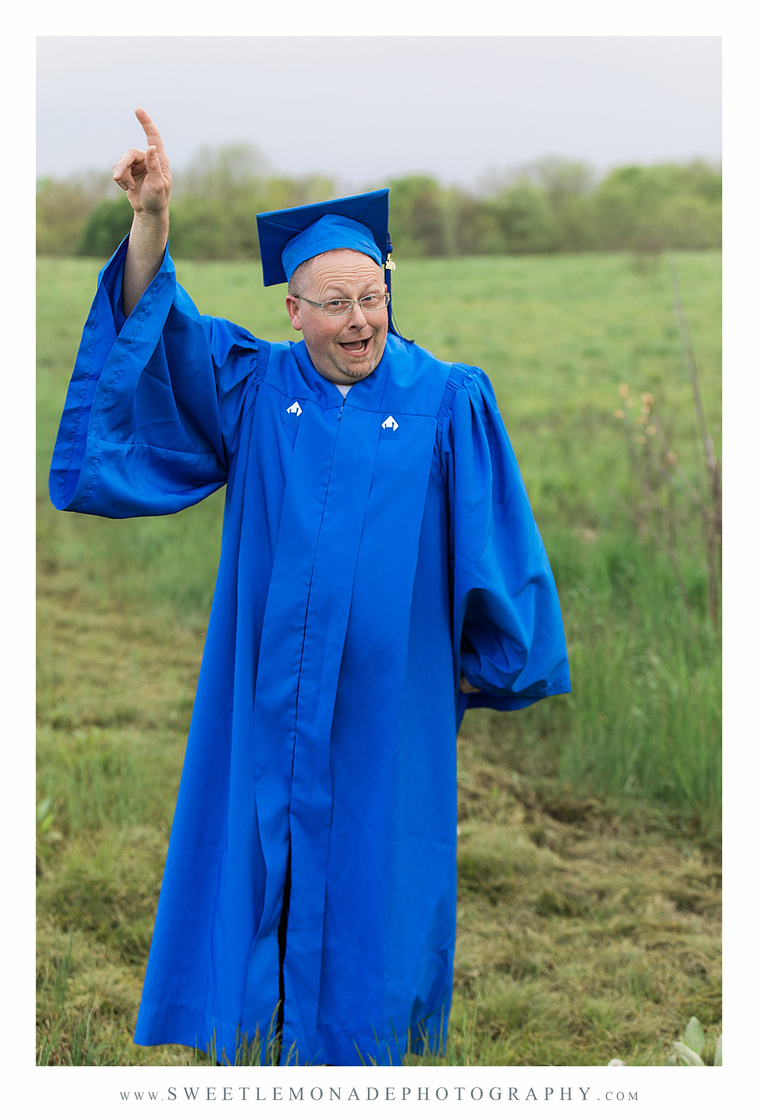 eastern-illinois-graduation-pictures-mahomet-illinois-sweet-lemonade-photography_2431.jpg