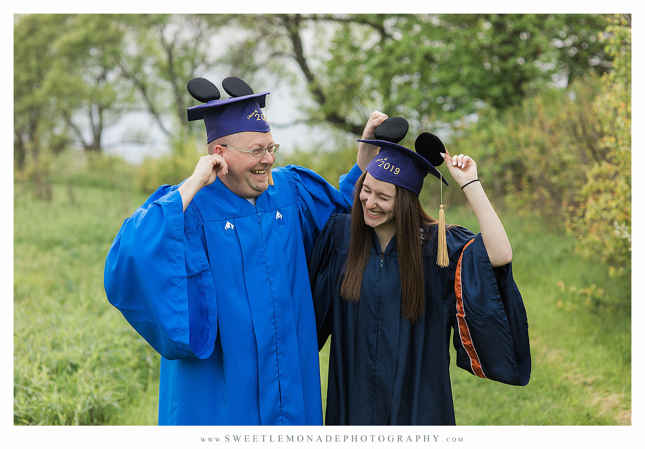 disney-mickey-ears-graduation-cap-pictures-mahomet-illinois-sweet-lemonade-photography_2435.jpg