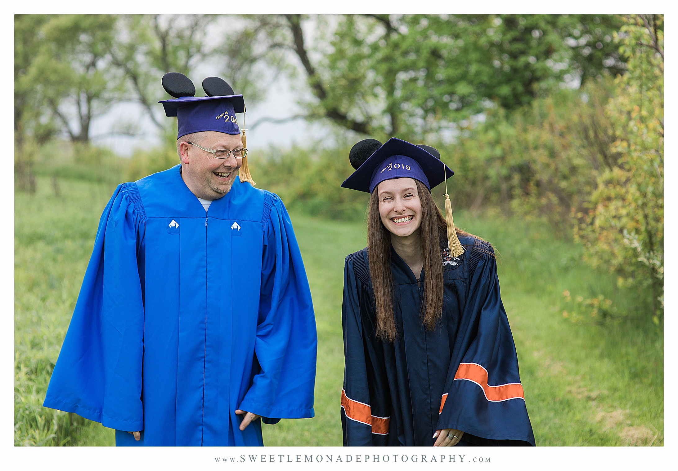 disney-mickey-ears-graduation-cap-pictures-mahomet-illinois-sweet-lemonade-photography_2434.jpg