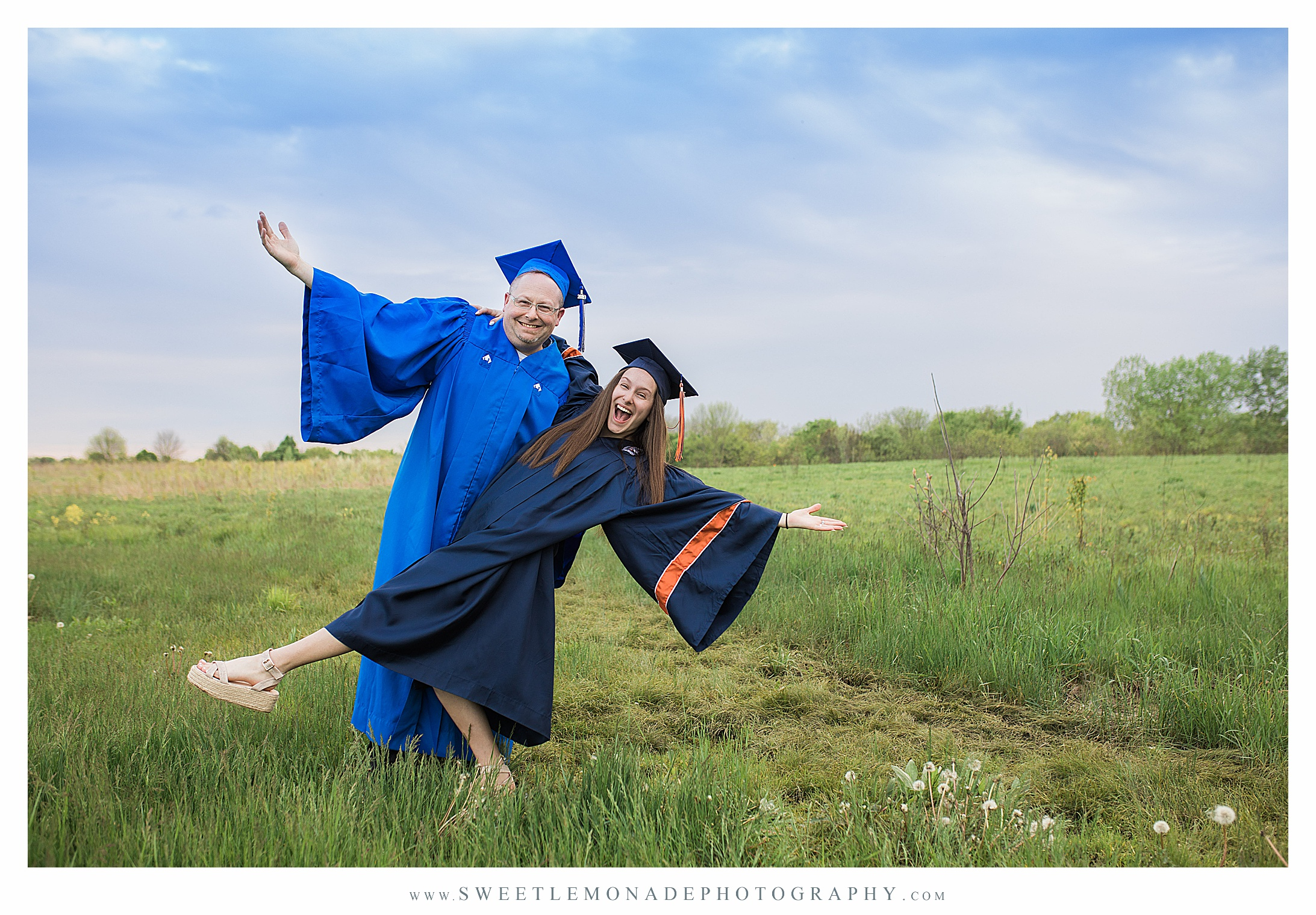 disney-mickey-ears-graduation-cap-pictures-mahomet-illinois-sweet-lemonade-photography_2439.jpg