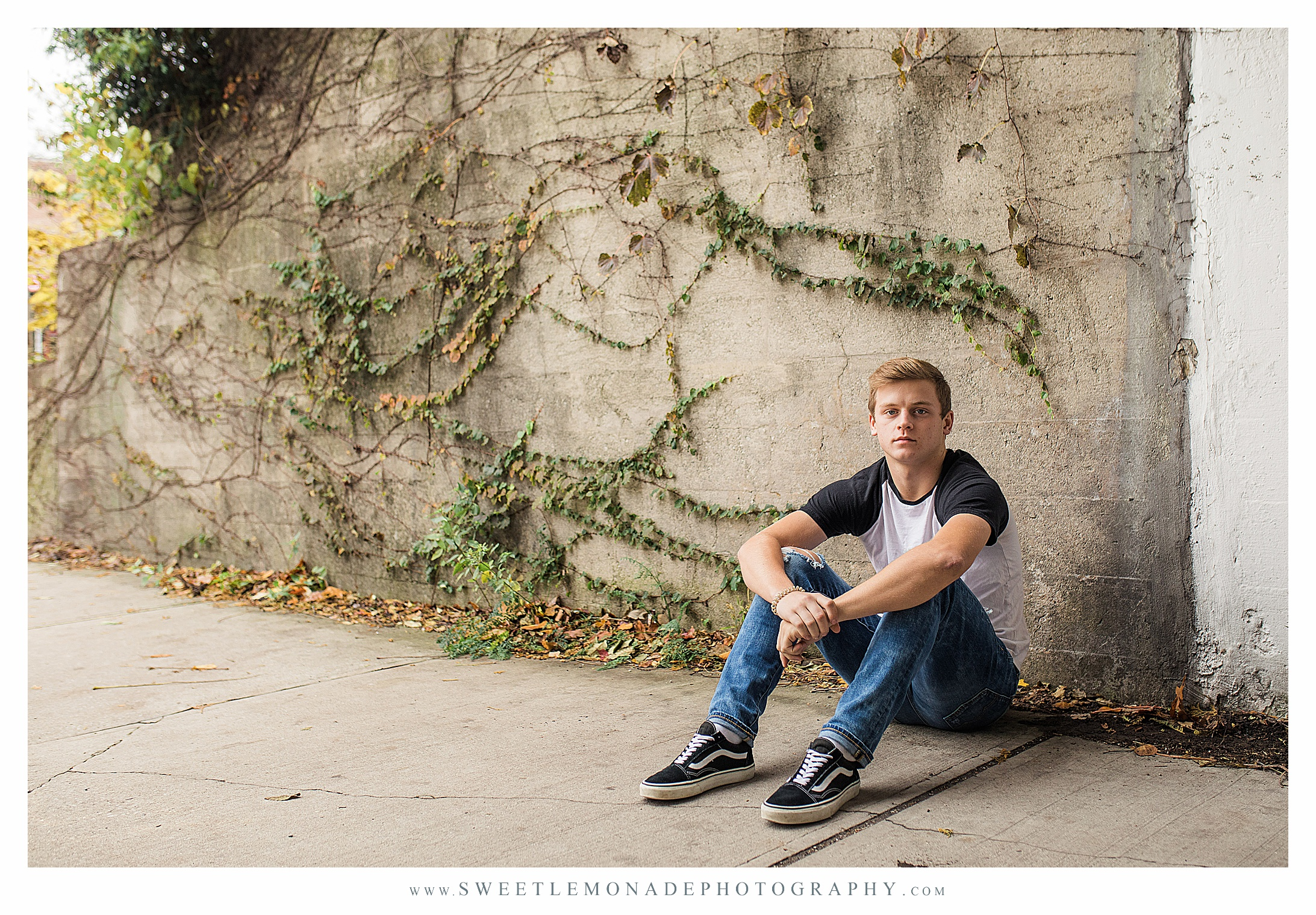 boys-outfit-ideas-senior-pictures-champaign-sweet-lemonade-photography_2699.jpg