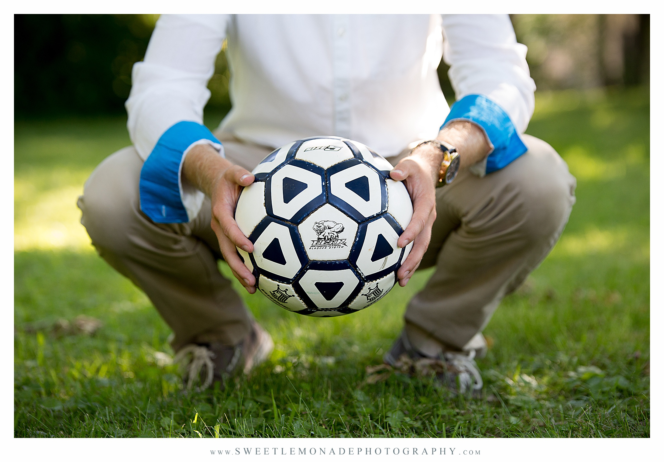 soccer-boys-outfit-ideas-senior-pictures-champaign-sweet-lemonade-photography_2715.jpg