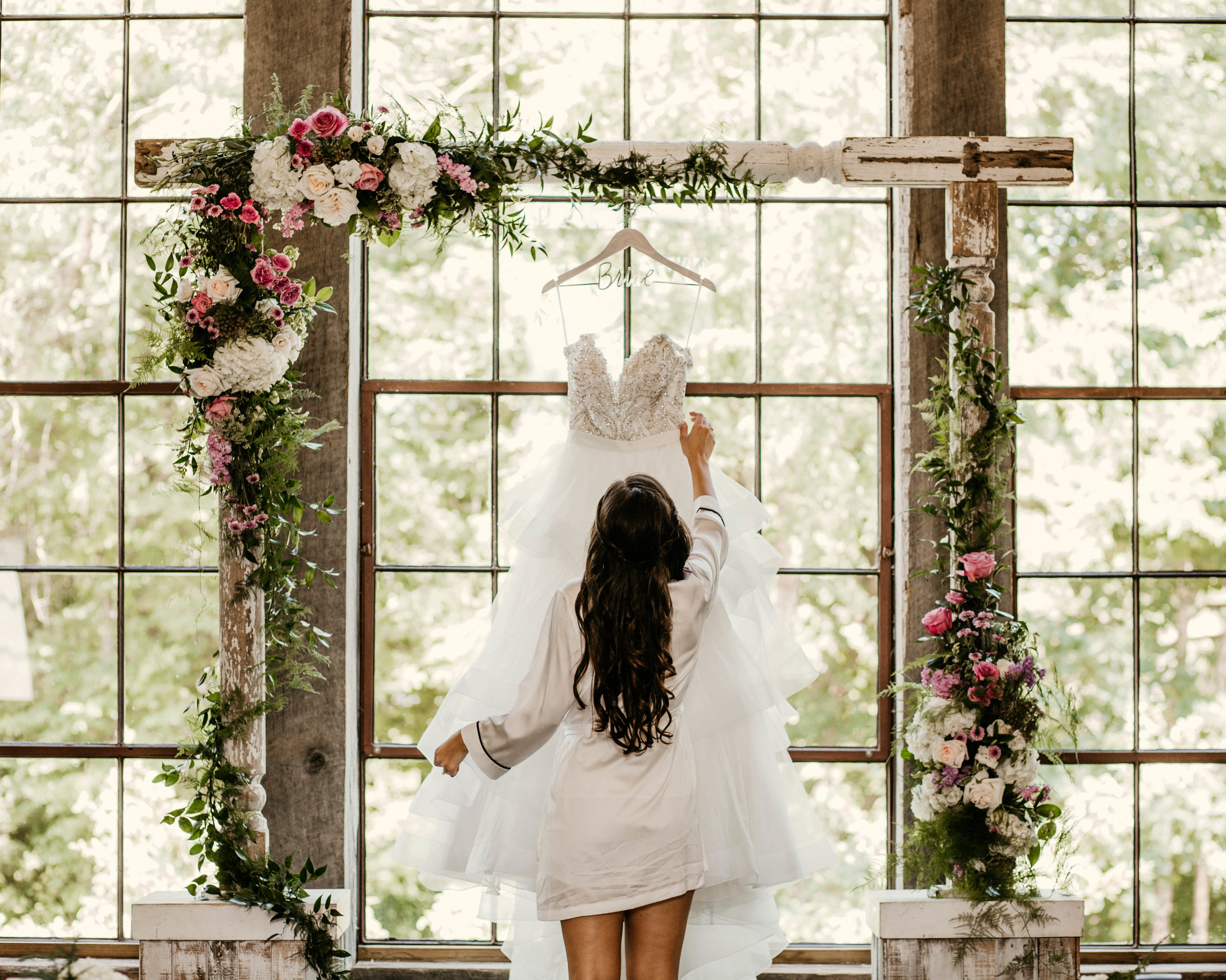 alyssa_taylor_big_sky_barn_wedding-6.jpg