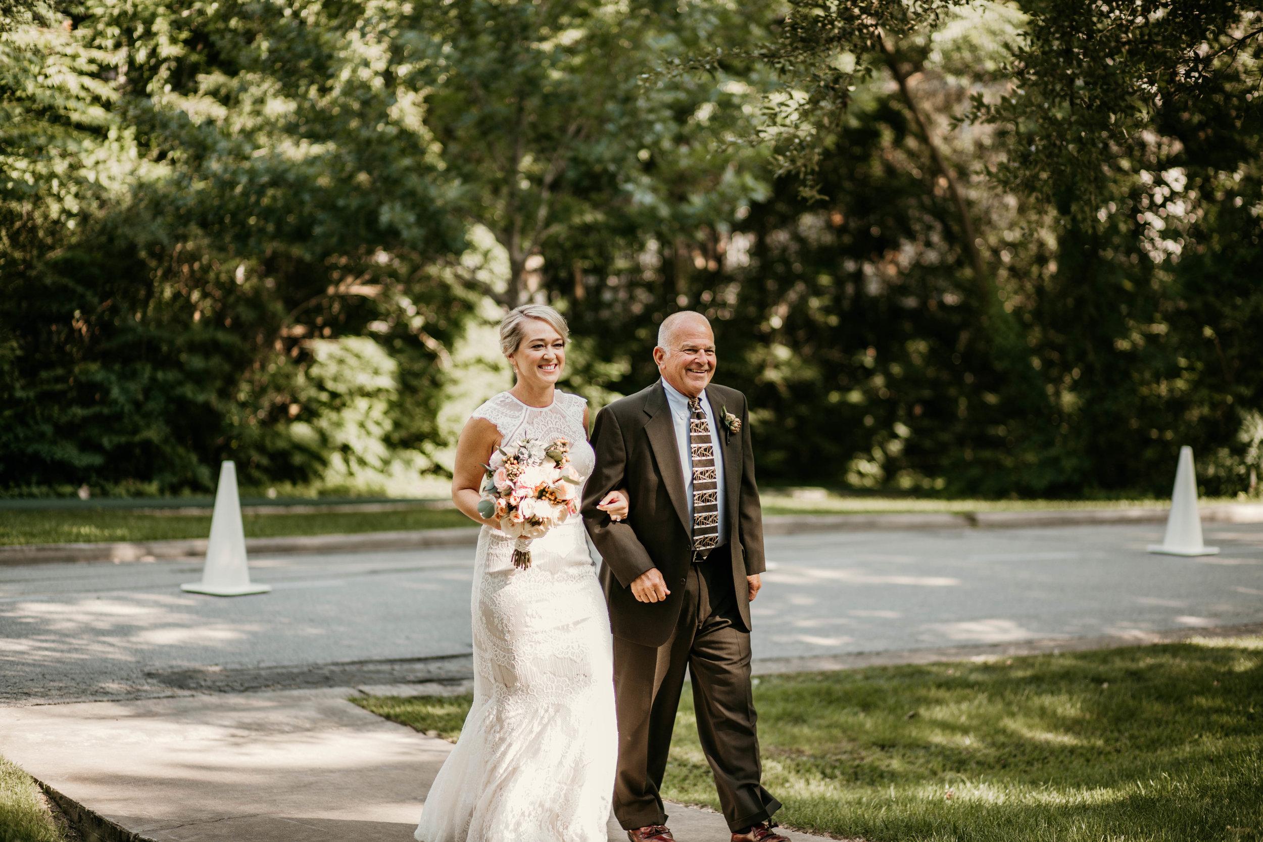 angie-carlton-the-manor-house-houston-wedding-16.jpg