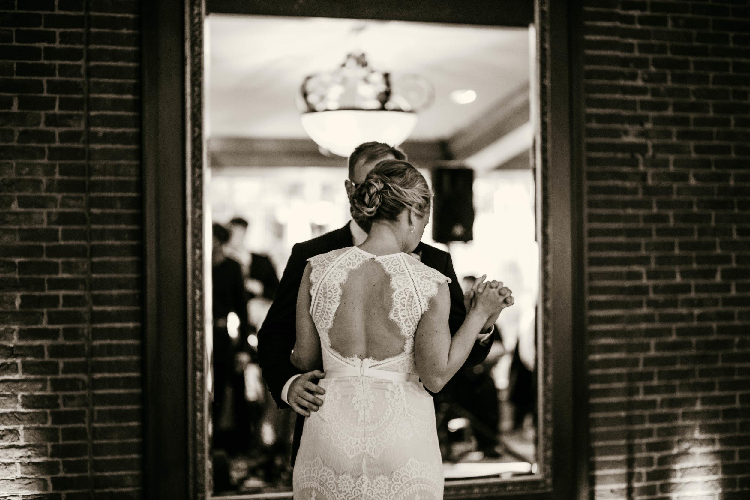 angie-carlton-the-manor-house-houston-wedding-42.jpg