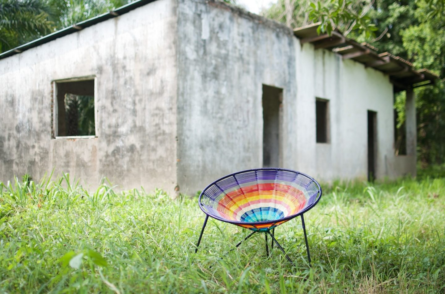 """""""Only Colombian ingenuity could conceive of of derivatives of palm leaves and banana crops as materials for the creation of seats and rocking chairs.""""- Rafael Zúñiga, Creative Director of Tucurinca"""