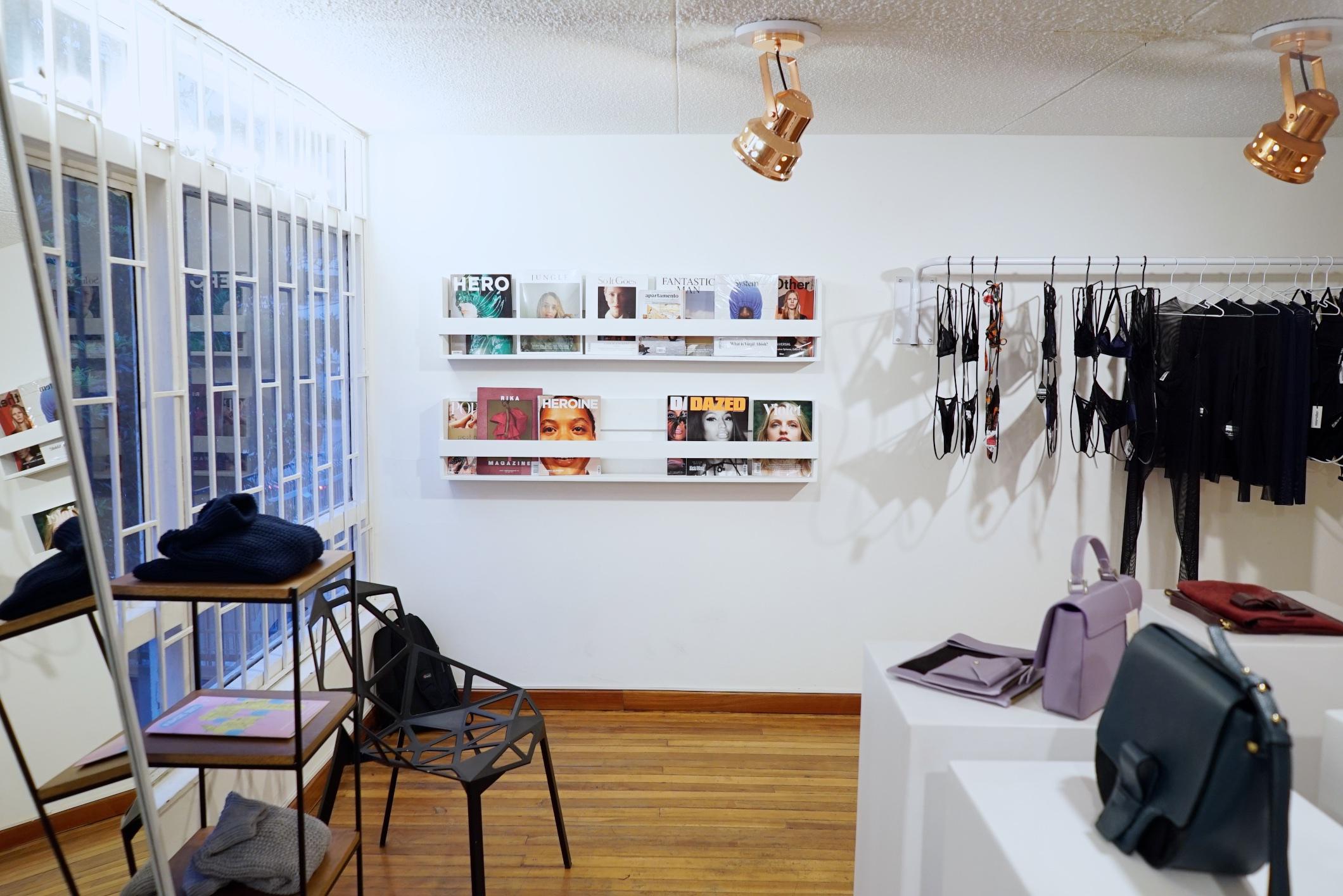 8424 showroom 044.jpg