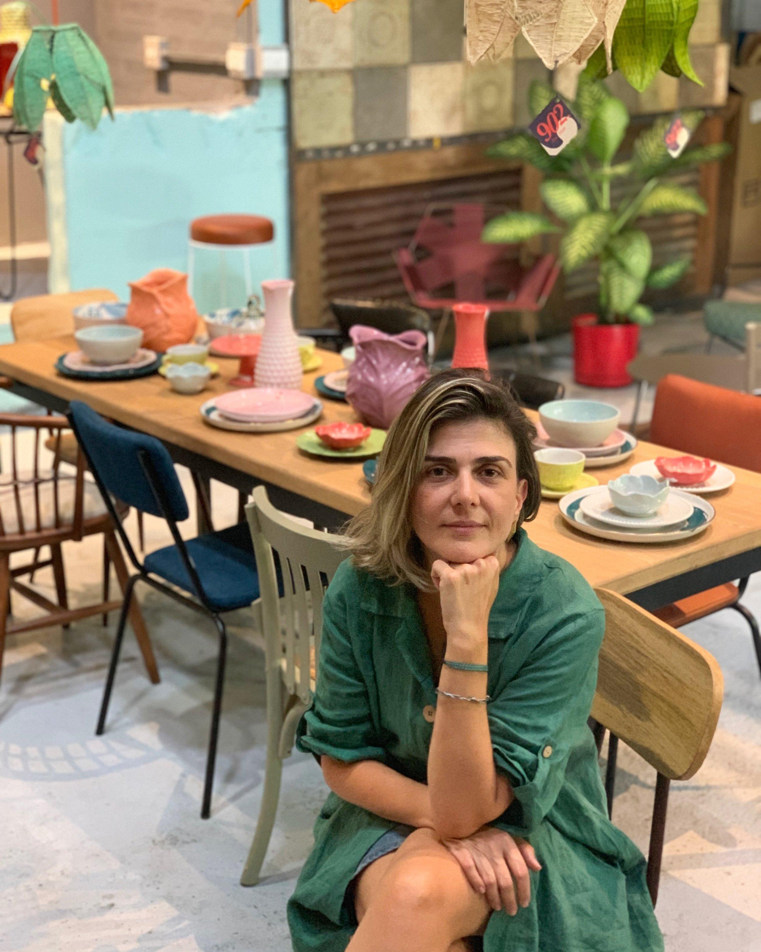 """""""Ya los formatos no necesitan de los ladrillos. Las experiencias hoy pueden ser más intangibles. Lo que importa para una marca es cómo se crean esas experiencias chiquitas"""". - - Claudia Correa, fundadora de 902 Showroom"""
