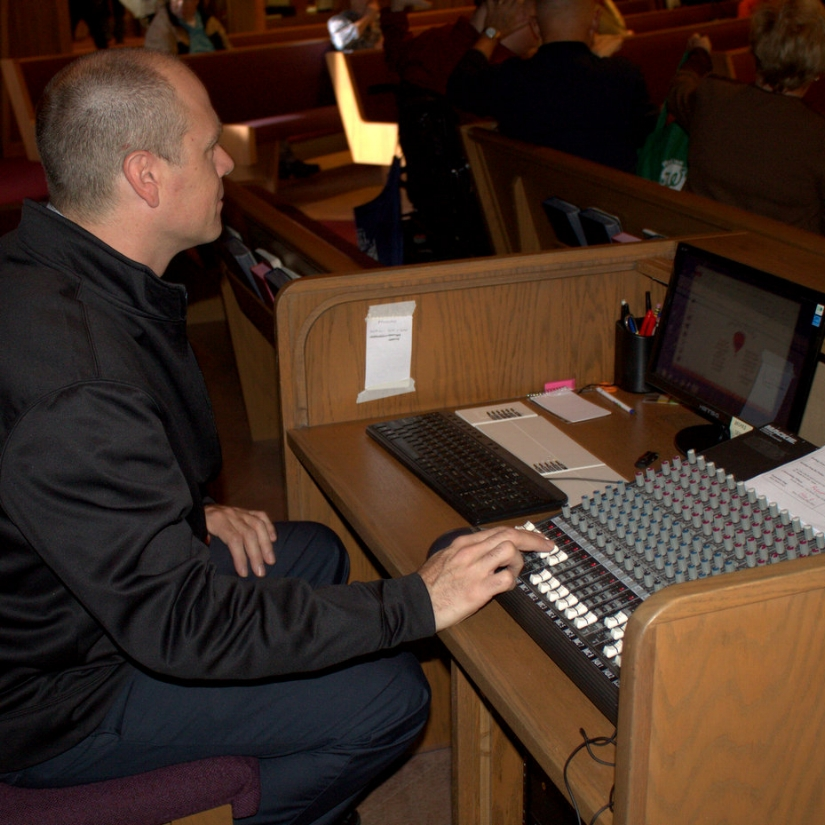 Technical Arts  If you have an interest and aptitude technology, the Kingswood Technical Arts ministry might be just the place for you. This volunteer group ensures that the sound, lights, video and onscreen presentations aid in our worship experience.  Contact  Anton Obrecht  for more info.