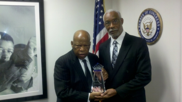WTS Founder Percy Jones, Jr. receives the 2010 Congressional Black Caucus Technical Innovator of the Year Award from Georgia Congressman John Lewis.