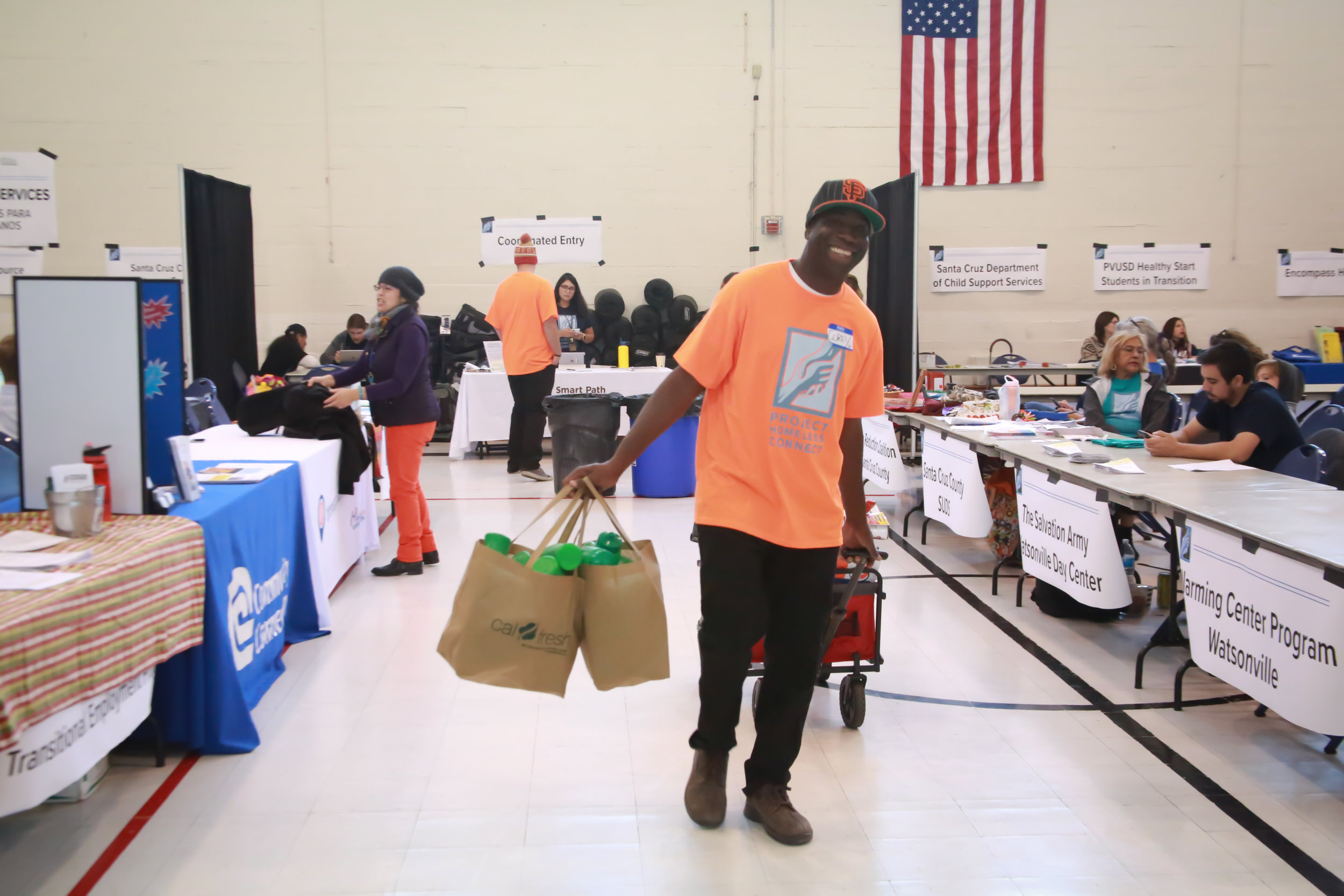 project-homeless-connect-resources-free-food-volunteers-to-help-homeless-3.jpg