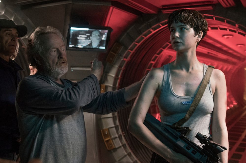 alien-covenant-2017-001-ridley-scott-katherine-waterston-on-location.jpg