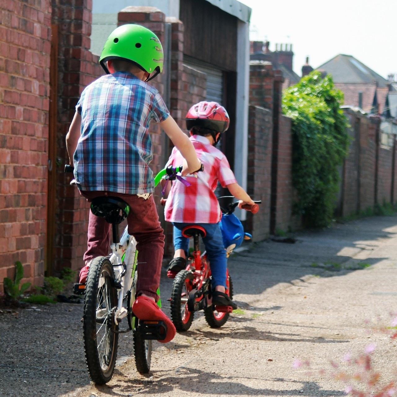kids ot biking occupational therapy alley-1836919_1920.jpg
