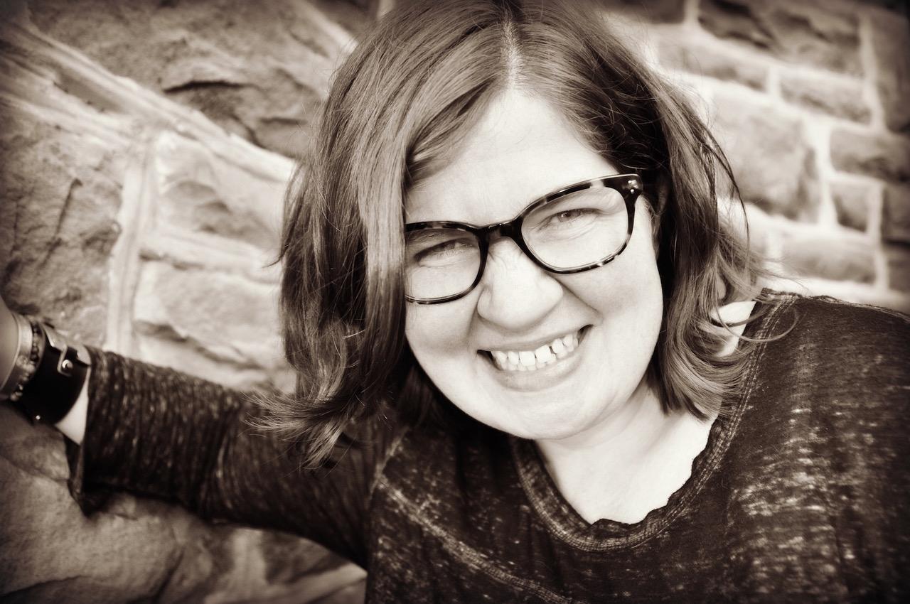 Hire a book editor | Editor | Books Editor | Freelance Editor | Self-publishing editor | Rooted StoryAlbums