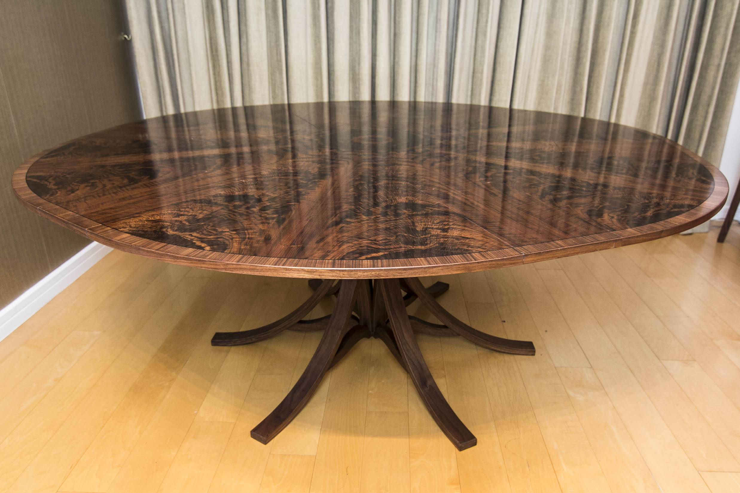 Walnut Dining Table_04.jpg