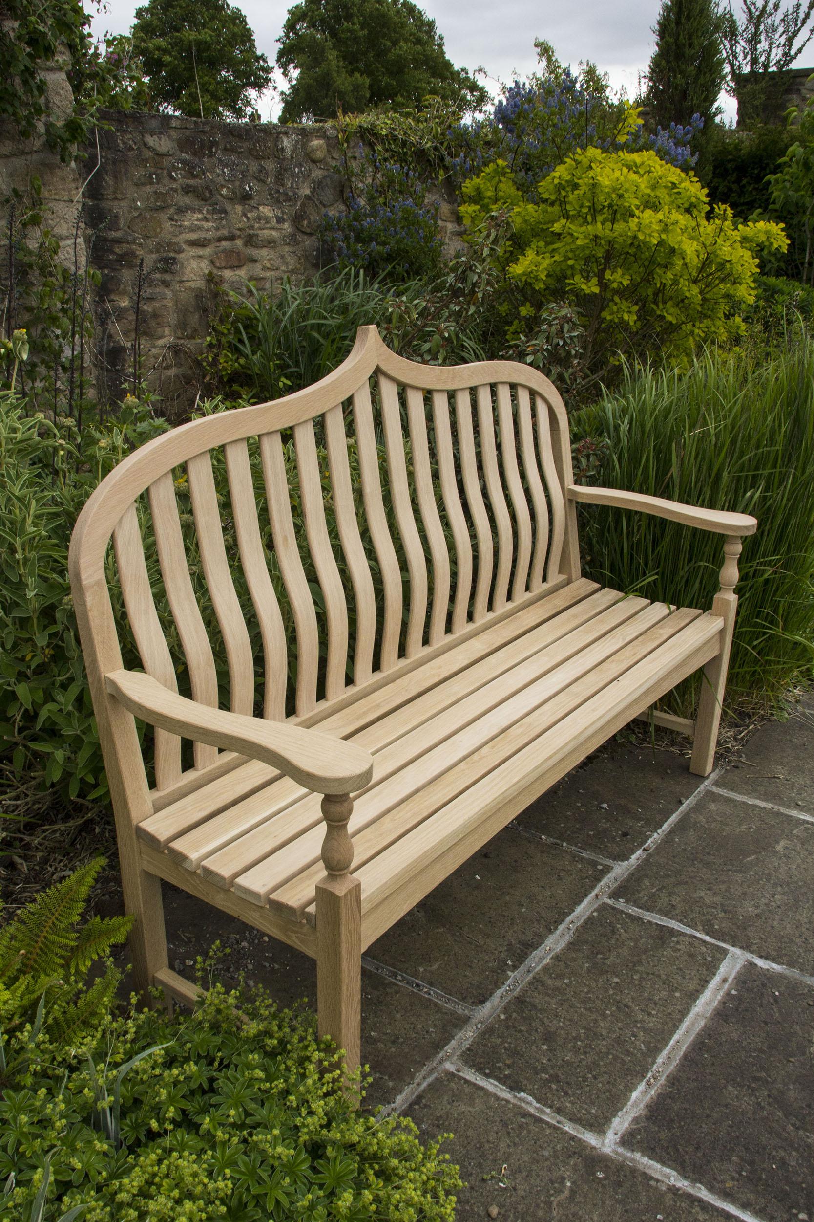 Garden bench in oak