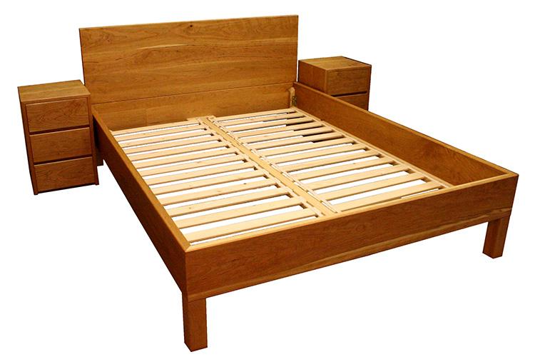 Oak Bed in Cherry
