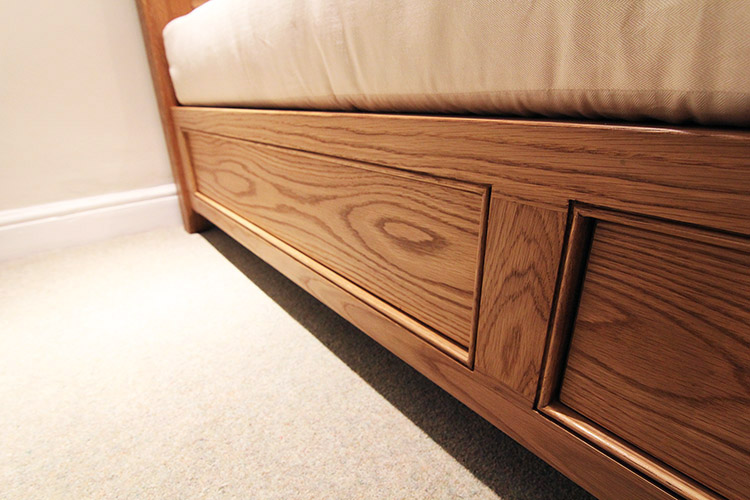 Oak Bed With Drawers