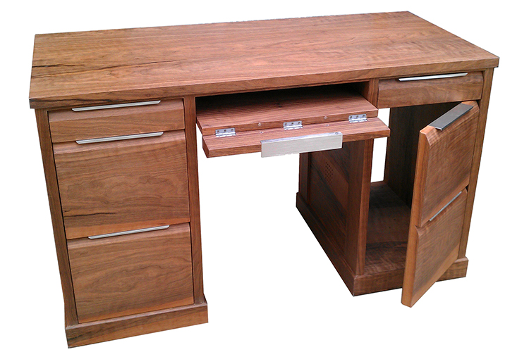 Knee Hole Desk in Walnut