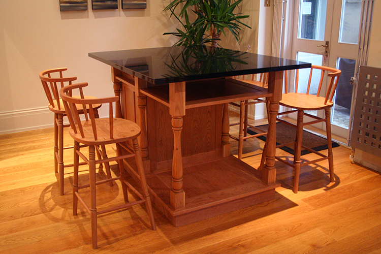 Island Unit and Bar Stools in Cherry