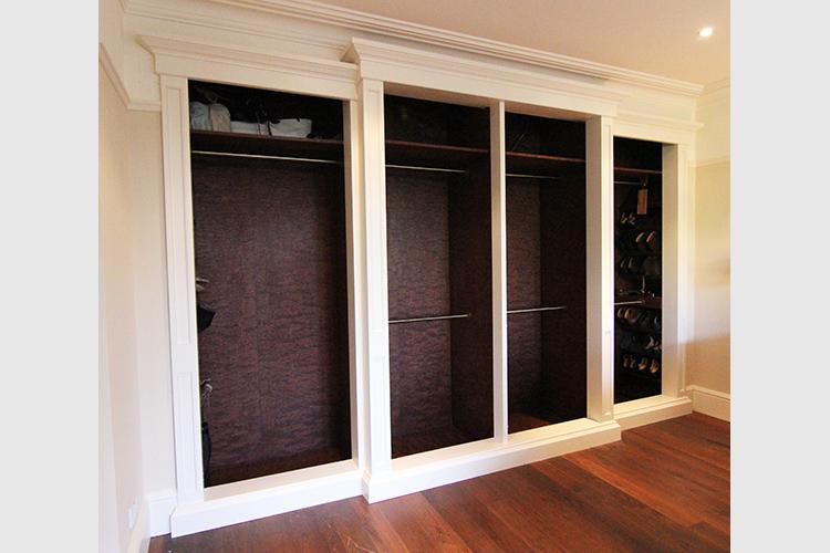 Breakfront wardrobe