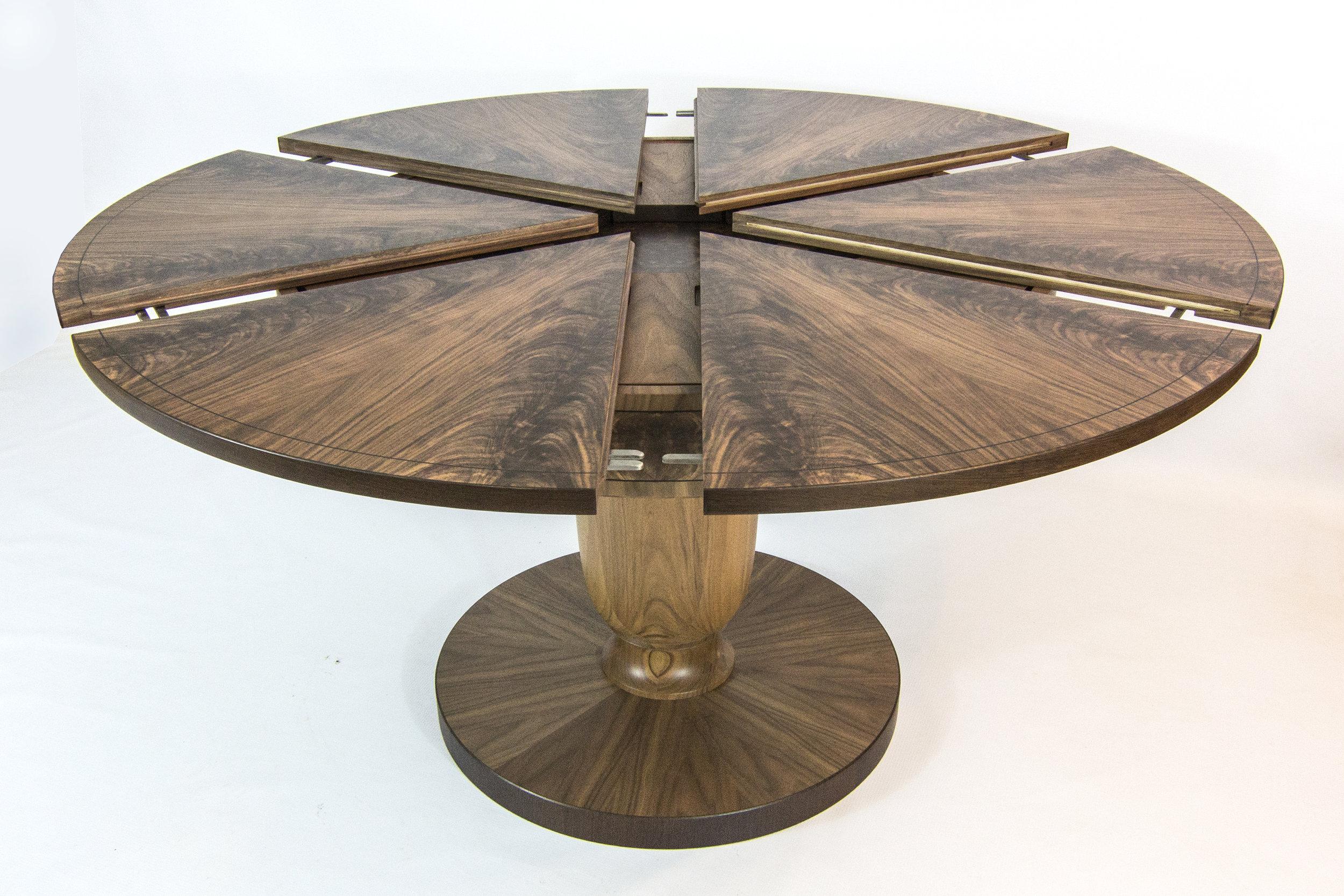 Walnut table 1.6m 02.jpg