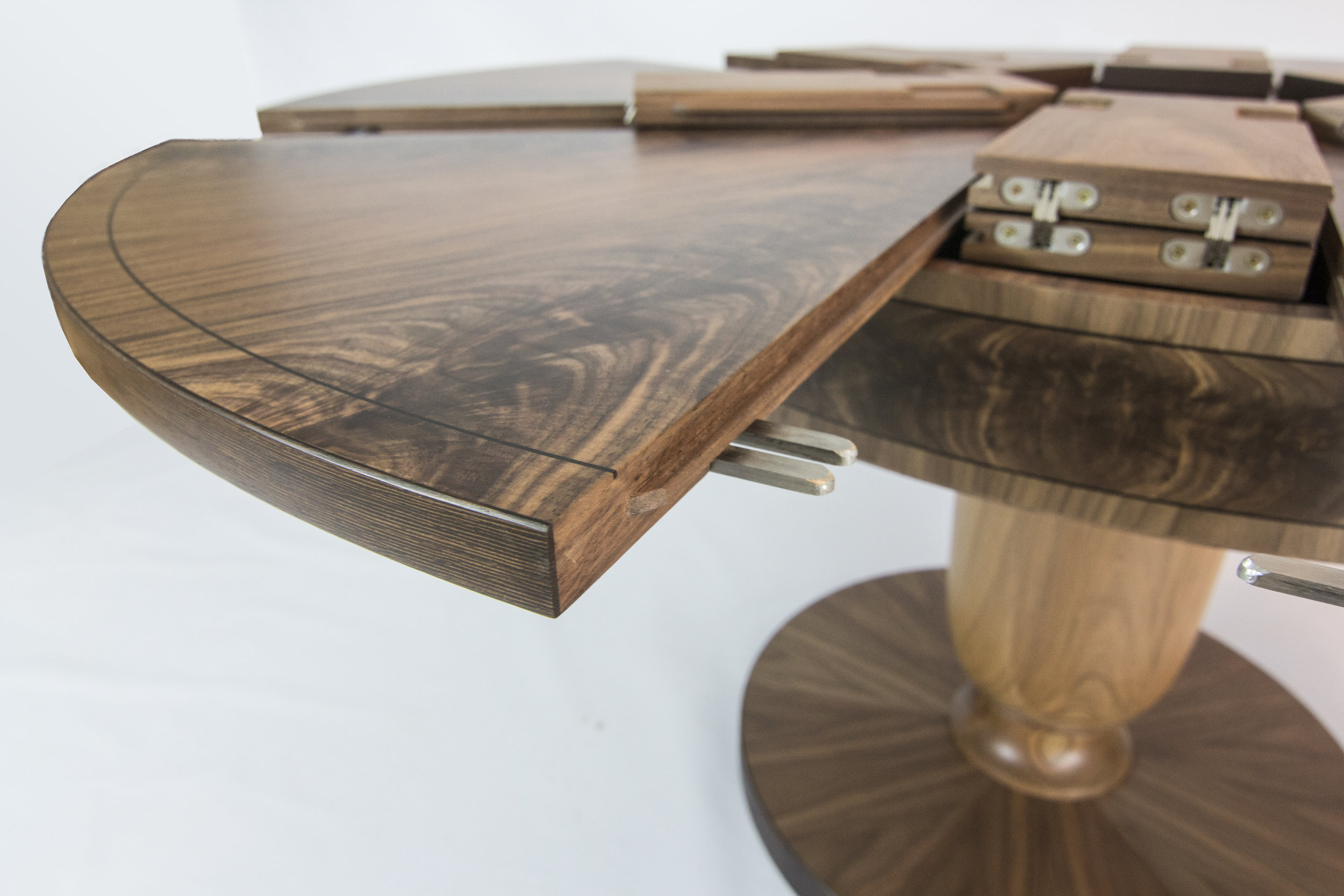 Walnut table 1.6m 06.jpg
