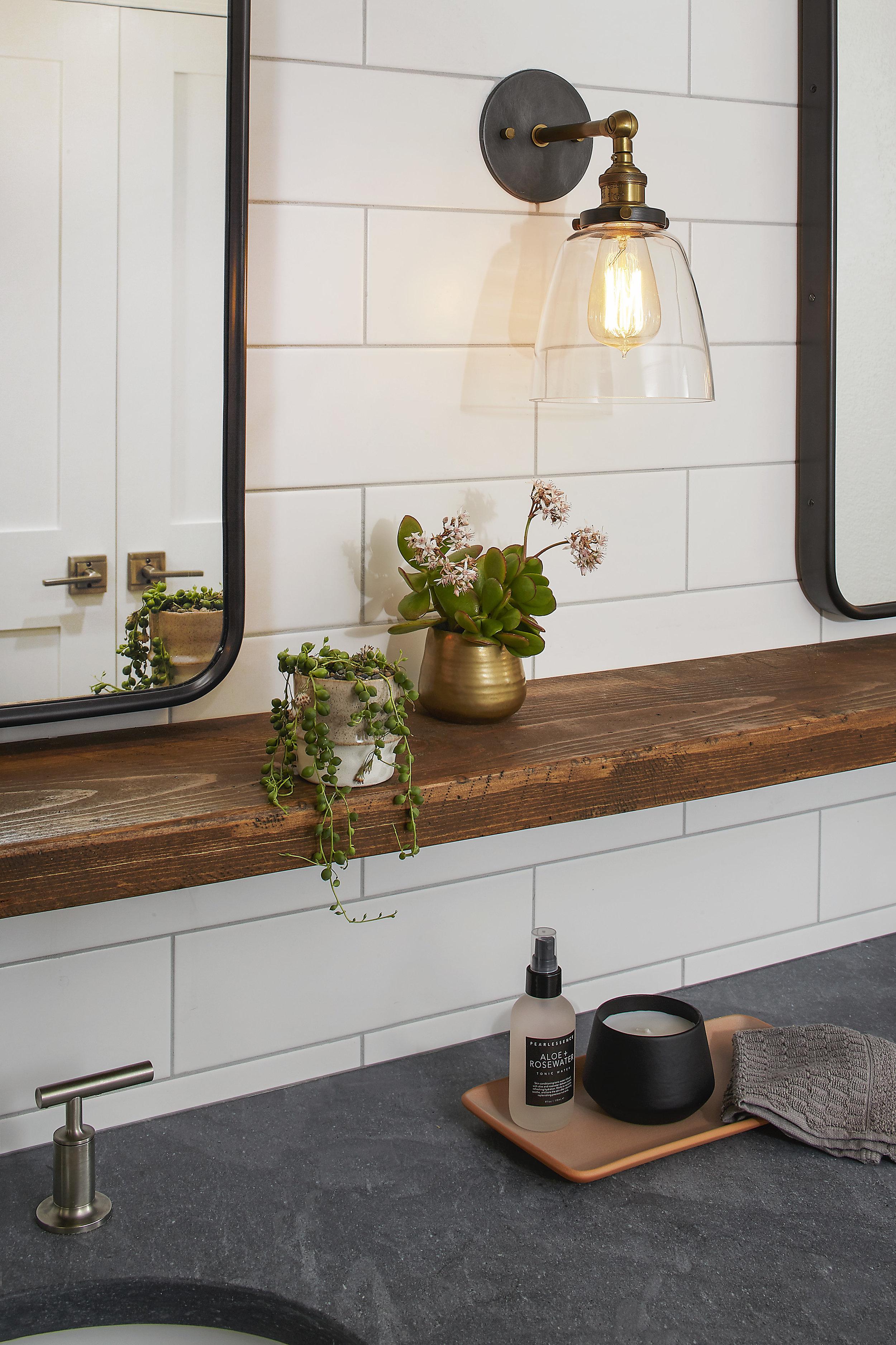 DM_BlueMount Bathroom_2xF.jpg