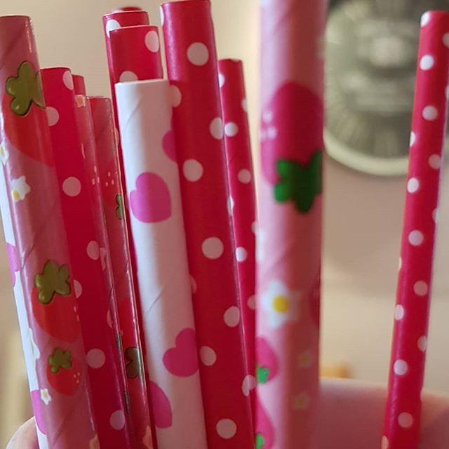 Paper straws... so pretty...