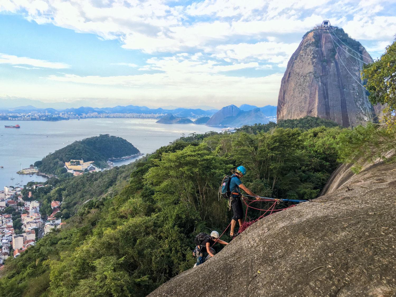 Aula de escalada no Morro da Urca, via Augusto Ruschi, Rio de Janeiro